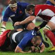 William Servat plaqué lors de la victoire française en Coupe du Monde de rugby face au Canada en Nouvelle-Zélande le 18 septembre 2011