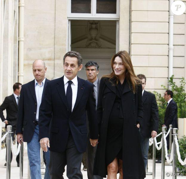 Carla-Bruni Sarkozy et son mari Nicolas Sarkozy ont accueilli les   visiteurs des Journées du Patrimoine le samedi 17 septembre 2011