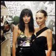 Leigh Lezark et Laetitia Crahay lors de la soirée Maison Michel & Rika Magazine à Paris le 2 octobre 2011