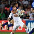 Maxime Mermoz rattrape Ben Foden...   Le XV de France a su se transcender et retrouver les valeurs du combat pour dominer (19-12) le XV de la Rose le 8 octobre 2011 et accéder aux demi-finales du Mondial de rugby 2011.