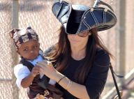 Sandra Bullock, pirate de charme pour une fête d'anniversaire animée avec Louis