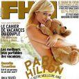 Août 2009 : la V.I.P Paris Hilton pose en couverture du FHM français.