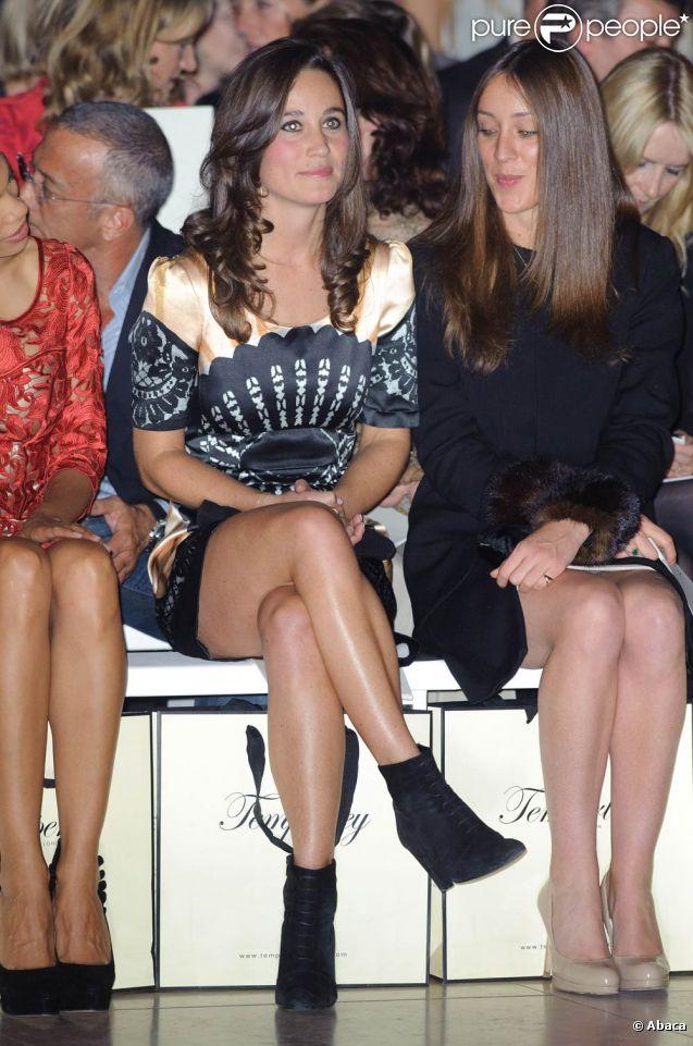 Pippa Middleton (photo : le 19 septembre 2011 au défilé Temperley lors de la Fashion Week londonienne) a fait sensation sur la piste de danse du Boodles Boxing Ball, le 1er octobre 2011 au Park Plaza Hotel de Londres.