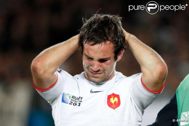 Les larmes de Morgan Parra lors de la finale de la Coupe du monde de rugby remportée par les All Blacks le 23 octobre 2011 à l'Eden Park d'Auckland