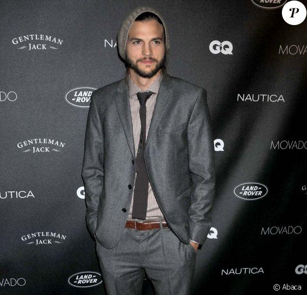 Ashton Kutcher au bel des Gentlemen du magazine GQ, à New York, le 26 octobre 2011.