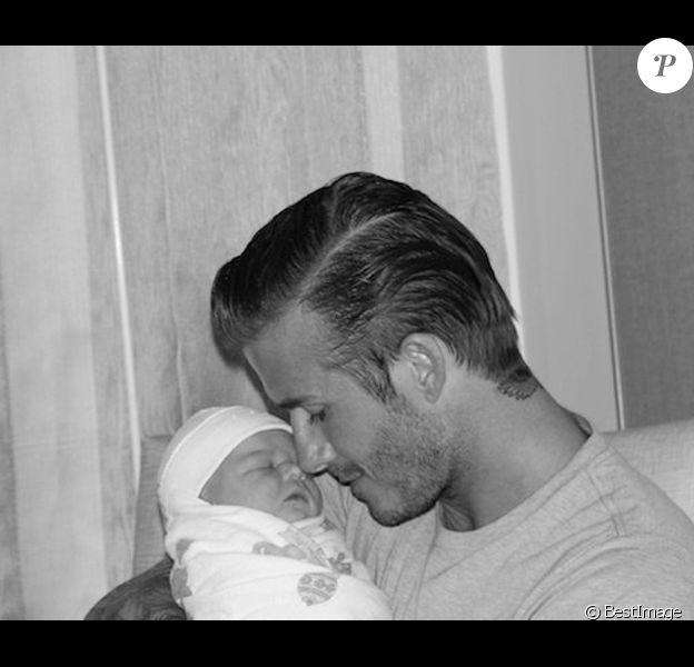 David Beckham et sa petite Harper à peine née en juillet 2011