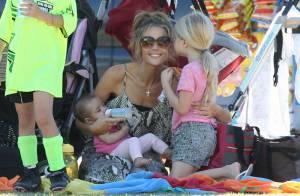 Denise Richards : Ses filles Eloise et Lola jouent les cheerleaders pour Sam