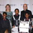 Andre Agassi, soutenu comme toujours par sa femme Steffi Graf, donnait le 29 octobre 2011 au Wynn Resort de Las Vegas la 16e édition de son gala de bienfaisance Andre Agassi Grand Slam for Children. Cette édition 2011 a battu les records, levant plus de 20 millions de dollars de fonds.