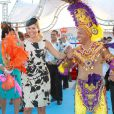 La princesse Maxima déchaînée au festival Fiesta Popular à Linear Park, Oranjestad, Aruba, le 28 octobre 2011.   La reine Beatrix, le prince Willem-Alexander et la princesse Maxima des Pays-Bas sont en visite dans les ex-Antilles néerlandaises du 28 octobre au 6 novembre 2011.
