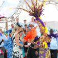 Les royaux néerlandais, la princesse Maxima en tête, ont participé avec beaucoup d'énergie, amusés, au festival Fiesta Popular à Linear Park, Oranjestad, Aruba, le 28 octobre 2011.   La reine Beatrix, le prince Willem-Alexander et la princesse Maxima des Pays-Bas sont en visite dans les ex-Antilles néerlandaises du 28 octobre au 6 novembre 2011.