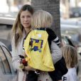Mira Sorvino et ses enfants le jour d'Halloween, le 31 octobre 2011 à Los Angeles