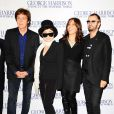 Paul McCartney, Yoko Ono, Olivia Harrison et Ringo Starr à l'avant-première du documentaire sur George Harrison, à Londres, le 1er octobre 2011.