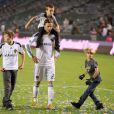 David Beckham et ses enfants Brooklyn, Romeo et Cruz le 16 octobre 2011 lors d'un match face aux Chivas USA au Home Depot Center de Los Angeles