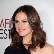 Jennifer Garner, enceinte, se mue en femme fatale et éclipse Olivia Wilde