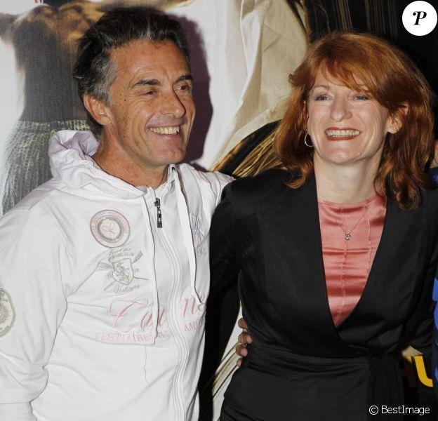 Gérard Holtz et sa compagne Muriel lors de l'avant-première de Rhum Express. Le 8 novembre 2011