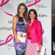 Evelyn Lauder avec Elizabeth hurley en septembre 2006 lors de la présentation de son livre de recettes pour bien vivre. Grande figure de la maison Estée Lauder et instigatrice du ruban rose devenu symbole universel de la lutte contre le cancer du sein, elle est morte le 12 novembre 2011 à New York, à 75 ans.