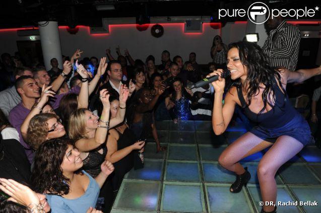 Shy'm se donne à fond en concert au Pharaon à Melun, samedi 12 novembre 2011