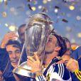 David Beckham peut enfin embrasser le trophée le 20 novembre 2011 au Home Depot Center de Carson à Los Angeles après sa victoire en finale du championnat des États-Unis