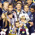 David Beckham et ses trois enfants Brooklyn, Romeo et Cruz le 20 novembre 2011 lors de la finale de MLS au Home Depot Center de Carson à Los Angeles