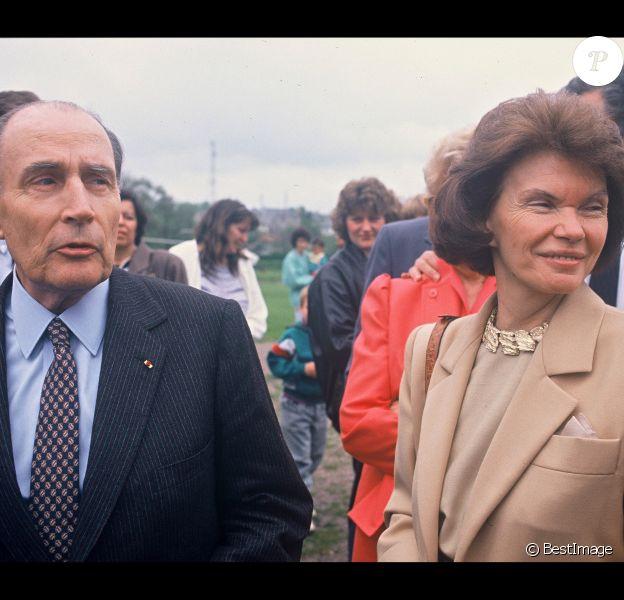 Danielle et François Mitterrand, à Château Chinon le 8 mai 1985.