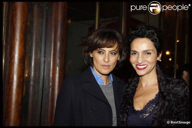 Inès de la Fressange et Farida Khelfa ont assisté à la soirée de la galerie du Passage à Paris le 21 novembre 2011
