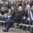 Frédéric Mitterrand et une amie lors des funérailles de Danielle Mitterrand à Cluny le 26 novembre 2011