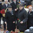 Manuel Valls et Arnaud Montebourg lors des funérailles de Danielle Mitterrand à Cluny le 26 novembre 2011