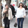 Jennifer Garner et sa mère Pat se balade à Santa Monica, le 30 novembre 2011