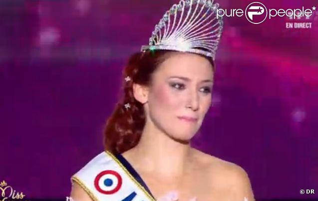 Miss Alsace, Delphine Wespiser, est sacrée Miss France 2012 le dimanche 4 décembre 2011.