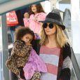 Heidi Klum et ses filles Leni et Lou faisant du shopping le 3 décembre 2011 à Brentwood en Californie : Stylées et adorables