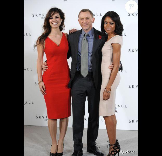 Berenice Marlohe, Daniel Craig et Naomie Harris, à Londres le 3 novembre 2011.