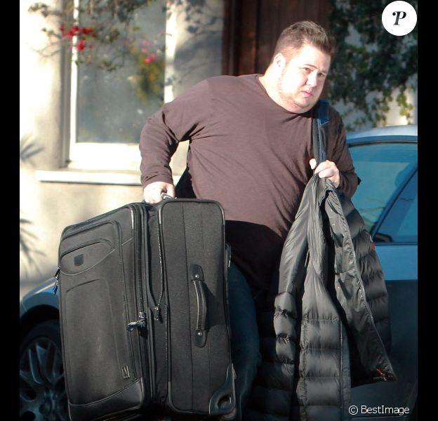 Chaz Bono quitte sa maison laissant sa petite amie Jennifer Elia seule, à Los Angeles le 21 décembre 2011