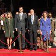 Le 28 décembre 2011, au lendemain de l'inauguration de la 10e législature au Parlement et deux semaines après avoir mis au ban son gendre soupçonné de corruption, le roi Juan Carlos d'Espagne a publié les comptes de la Maison Royale.