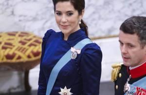La princesse Mary orne le Nouvel An danois, un jour rubis, l'autre saphir...