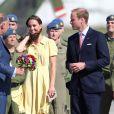 A l'aéroport de Calgary le 7 juillet 2011.   Kate Middleton célèbre le 9 janvier 2012 son 30e anniversaire. Les mois qui ont précédé l'ont vue faire ses débuts dans la famille royale, en tant que Catherine, épouse du prince William et duchesse de Cambridge, et irradier le monde de son charme.