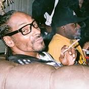 Snoop Dogg : Chopé avec de la marijuana au Texas, comme Willie Nelson