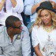 Jay-Z et Beyoncé ont accueilli une petite fille, Blue Ivy, le 7 janvier 2012 en fin de soirée. Deux jours après, l'heureux papa de 42 ans publiait une chanson à la gloire de son bébé :  Glory .