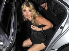 PHOTOS : Kate Moss, toujours de belles gambettes !