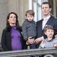 Le 15 janvier 2012, la princesse Marie faisait sa dernière apparition publique avant l'accouchement au balcon du palais royal d'Amalienborg, avec son mari le prince Joachim, leur fils de 2 ans et demi le prince Henrik et les deux garçons nés du premier mariage de Joachim, Nikolai et Felix. Neuf jours plus tard, la princesse donnait naissance à une petite princesse...   La princesse Marie de Danemark a accouché de son deuxième enfant le 24 janvier 2012 au Rigshospitalet de Copenhague. Elle a donné naissance à une petite princesse, la première fille pour le prince Joachim !