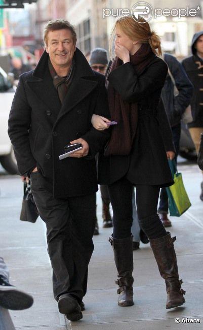 Alec Baldwin et sa fille Ireland à New York le 25 janvier 2012 : fous-rires et complicité