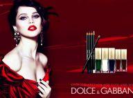Felicity Jones : la belle Anglaise, sanguine et passionnée pour Dolce & Gabbana
