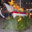 Au soir du 26 janvier 2012, comme chaque année, le prince Albert II de Monaco et des membres de la famille princière monégasque ont embrasé la barque commémorant la légende de Sainte-Dévote et honorant le lien entre la principauté et sa sainte-patronne.