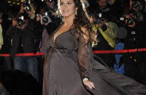 NRJ Music Awards : Elisa Tovati, enceinte de 8 mois, éblouit sur le tapis rouge