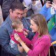 La fibre maternelle de Letizia d'Espagne a ravi ses hôtes, à La Restinga, sur l'île d'El Hierro, aux Canaries, où la princesse des Asturies et son époux Felipe étaient en visite le 30 janvier 2012.