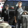 Rooney Mara et son petit ami Charlie McDowell à l'aéroport de Los Angeles, le 29 janvier 2012.