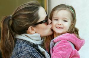 Jennifer Garner, enceinte : Pause tendresse avec Seraphina, reine du parcmètre