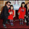 Johnny Hallyday, Laeticia et leurs filles Jade et Joy à Paris, le 6 novembre 2011.