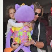 Gabriel Aubry profite de ses derniers instants seul avec la petite Nahla