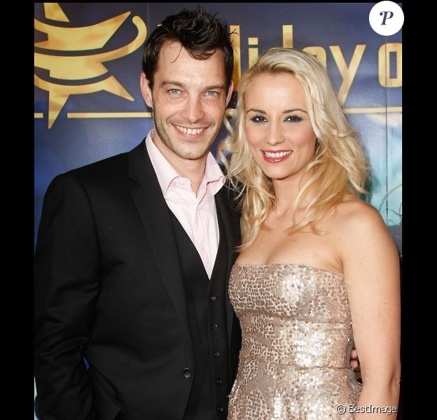 Elodie Gossuin et son mari Bertrand Lacherie lors de la première d'Holiday on Ice au Zenith de Paris le 10 février 2012
