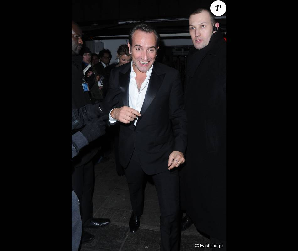 Jean dujardin lors de l 39 after party des bafta organis e for Jean dujardin bafta
